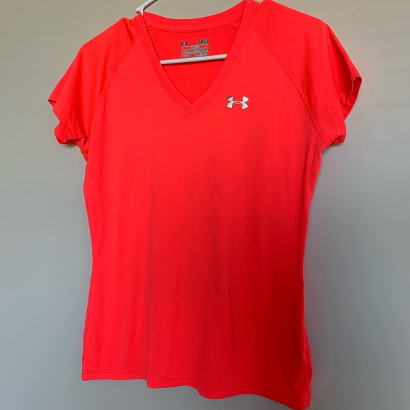 Under Armour Tops - Under Armour | Hot Pink Short Sleeve Work Out Tee